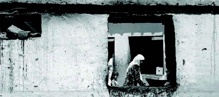 LA MOSCHEA. Il cortile interno di Abu Fazl a Kabul, dove durante una festa dell'Ashura nel 2011 morirono in un attentato decine di fedeli