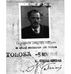 Andrea Caffi (Pietroburgo 1887 - Parigi 1955) nella carta d'identità falsa che usò in Francia durante l'occupazione nazista.