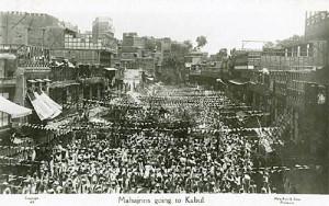 ghaffar-khan-leads-a-march-from-peshawar-to-kabul-during-the-khilafat-movement.-peshawar-street-1920