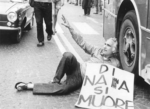 /nas/content/live/cssr/wp content/uploads/2016/05/Pannella protesta