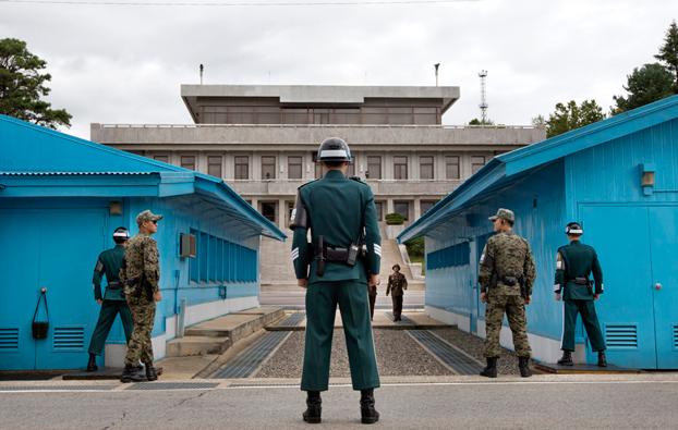 Il villaggio sudcoreano di Panmunjom, sede dei colloqui diplomatici tra Pyongyang e Seoul, il 30 settembre 2013. (Jacquelyn Martin, Reuters/Contrasto)