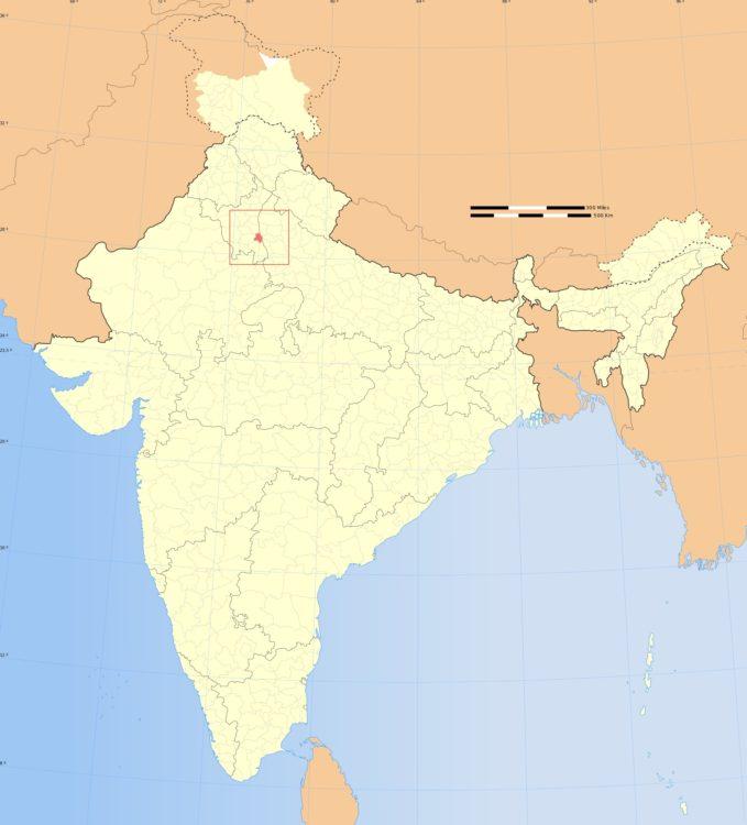 India due sfilate due mondi
